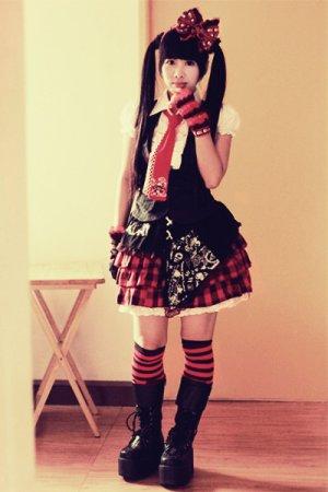 Dans le manga Shugo Chara Amu Hinamori est une Punk Lolita !